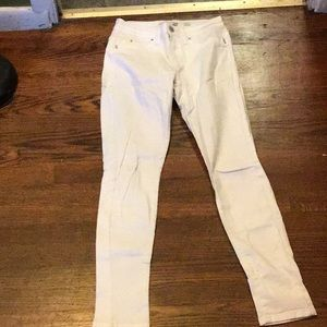 A pair of white YMI jeans size 3. In great shape